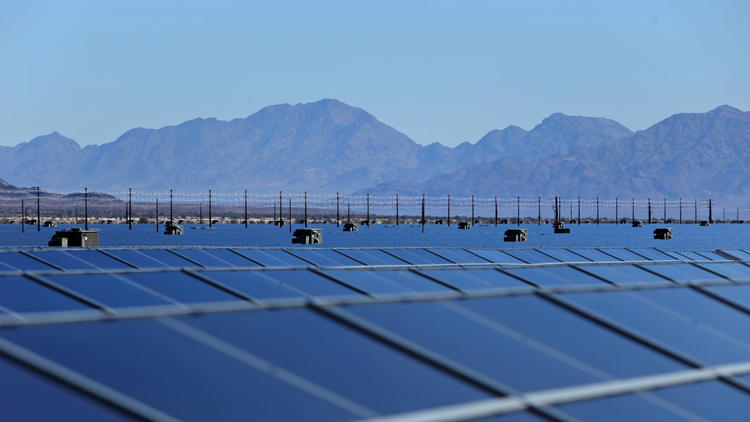 A solar farm in Desert Center. A state Senate bill would require California to get 50% of its electricity from renewable sources by 2030. (Marcus Yam, Los Angeles Times)